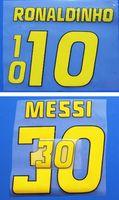 Ретро Желтые печати Футбольные названия Damesets Ronaldinho Messi Player Наклейки Печатные Футбольные буквы впечатленные Старинные пластиковые значки