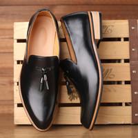 Robe de British Style Hommes Chaussures Luxe Mode Groom Chaussures de mariage 2020 Automne cuir richelieu hommes d'affaires formel Souliers simple