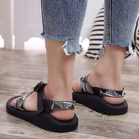 Chamsgend Été Nouvelle Sandales de mode Femmes Rome Chaussures plates Sandales Femmes Sandales Casual Confortable Sandales extérieures confortables