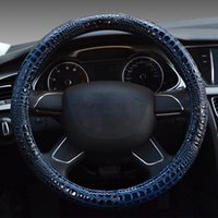 cover Luxury crocodile grain leather car steering wheel cove...