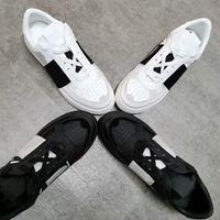 Männer Frauen VL7N Geprägte Plattform-Trainer-Schuhe Schwarz Weiß Wildleder Reflektierende Sneaker Lace-up Triple S Schuhe mit Box EU45