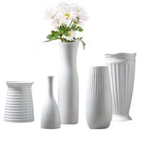 jarrón de porcelana de regalo al por mayor-Jarrón de cerámica Arte y artesanía china decoración contratada jarrón de flores de porcelana regalo creativo decoración del hogar 17120111
