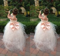 2015 Lovely Christmas Flower Girls Dresses For Wedding Sexy Spaghetti Strap Sleevelless Pleats Beads Back Bow Puffy Princess Pageant Dresses