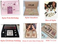 KKW / Kylie Vacation / Pink Birthday / Holiday / Fall Collection / Scatola di Kylie / Dose of Colour Desi X Katy Christmas Edition Bundle Set da trucco Confezione regalo