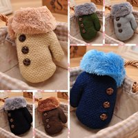 ingrosso corda in cotone lavorato a maglia-Winter Baby Mittens Girls Boys Cotton Baby Wanten Warm Stretchy Knitted Fibers Guanti Full Finger Rope Bambini Solid Button 3-6