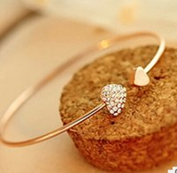 Cor de ouro e prata Atacado-Moda Chic Lovely Gold Plated Rhinestone Heart Shape Bracelet Bracelet Bangle Girl Party Prêmio Ornamento Prom