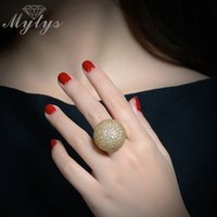 Anéis de moda ig Mytys Pave Setting Crystal Luxo Chunky Ring Ball Shape Fashion Lindo jóia de alta qualidade 2017 New Big Rings R1048 ...