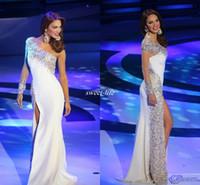 sexy vestidos blancos del desfile al por mayor-Vestido de noche de Miss Venezuela Pageant 2019 Blanco vaina Manga larga de un hombro Lado Dividir cristales Vestidos de fiesta atractivos Vestido de la celebridad