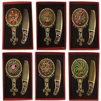 ingrosso pettine di stile vintage-Il retro classico d'annata di modo 2pcs gli specchi compatti antichi di rame degli specchi vuoti del pettine mette il regalo intorno a 30 stili di mescolare