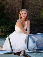 Wholesale Short Sexy Weddingdress - Vintage 2015 Summer Knee Length Wedding dresses for Beach Wedding Party with Sheer V Neck Backless Cap Sleeve Beaded Lace Short weddingdress