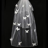 ingrosso velati di blusher di nozze-Veli da sposa nuovi con fard 3 strati Velo da sposa corto con applicazioni di farfalla Accessori nuziali Tulle avorio