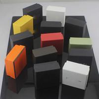 anillo de papel joyero al por mayor-Venta caliente Famosa marca de cajas de joyas Multicolor Collar Pulsera anillos cuadrados cajas venta al por mayor 7 * 7 * 3.5 cm accesorios cajas de papel de embalaje