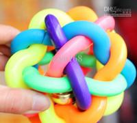 gummibälle für hunde großhandel-Multi Farben-Haustier-Gummi-nobbly wackeliges Hundespielzeug Kauter-elastische Ball-Farbe gelegentliches 20pcs / lot