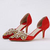 kırmızı akşam önlükleri usa toptan satış-Kırmızı Saten Gelin Ayakkabıları ile Rhinestone Kristal Orta Topuk Parti Ayakkabı Vogue Akşam Elbise Ayakkabıları Handamde Balo Elbise Ayakkabı