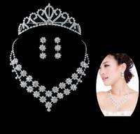 brincos de cristal para noivas venda por atacado-Crystal Fashion Noiva Acessórios de Strass Casamento Conjuntos de Jóias, com Colar Brinco de Coroa Para Noiva Nupcial do Casamento Frete Grátis