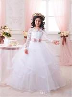 long first communion dresses toptan satış-2017 Ucuz Beyaz Çiçek Kız Elbise Düğün İçin Dantel Uzun Kollu Kızlar Pageant Elbise İlk Communion Elbise Küçük Kızlar Balo Balo