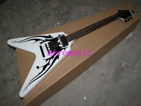 2015 New Arrival White Flying V Guitarra elétrica em estoque Best Selling OEM Available Wholesale Free shipping