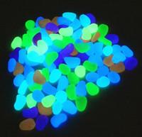 ingrosso pietre decorative da giardino ciottoli-Simulazione di pietra di bagliore solare Pietra di ghiaia leggera luminosa per le decorazioni del corridoio del giardino della decorazione del carro armato di pesci domestici Trasporto libero
