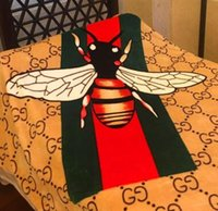 Wholesale Car Bee - New personality trend air conditioning blankets geometric bees flannel blankets office leisure car inside the blanket
