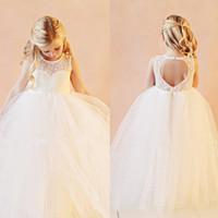 flowergirl kleidet elfenbein großhandel-Preiswerte Qualität Vintage Blumenmädchenkleider Formale Kleider Bodenlangen Spitze Weiß Elfenbein Flowergirl Kleider für Hochzeit mit Schlüsselloch Zurück
