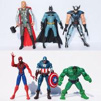 ingrosso giocattoli di uomo del ragno di batman-The Avengers Super Heroes 6 pezzi / set Action Figures 15cm Capitan America Spider Man Hulk Thor Batman Wolverine Giocattoli in plastica PVC Dolls Vendita al dettaglio