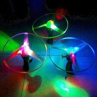 moscas conduzidas girando venda por atacado-Brand New Brinquedo Ao Ar Livre Frisbees Bumerangues Flying Disco Giratório Helicóptero Disco de Luz LED