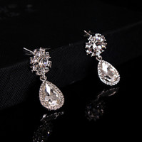 Wholesale 2017 In Stock Crystal Bridal Earrings Jewelry Silver Color New Fashion Shiny Accessories For Wedding Brides On Sale Factory