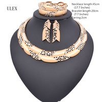 Wholesale Jewelry Dubai White Gold - Hot sale Dubai Fashion vintage luxury rhinestone bridal necklace earring bracelet african costume gold color jewelry sets ZM07Z
