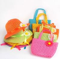 plaj saman şapka çantası toptan satış-3 TAKıM Tatlı Bebek Kız Çocuklar Saman Çiçek Güneş Şapka Kap Çocuk Yaz Partisi Plaj Çantası Hediye Sıcak Satış