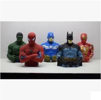 eisen mann film zahlen großhandel-Super Heroes Coin Bank Spiderman Iron Man Kapitän American Plastics Coin Bank Movie Action-Figuren Weihnachtsgeschenk Gute Qualität