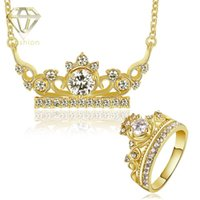 Moda 18K / Rosa Banhado a Ouro Charm King Crown Shaped Inlaid Stones Necklace + Ring Conjuntos de jóias românticas para mulheres Wedding Party