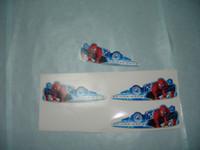 ingrosso tagliare gli adesivi personalizzati tagliati-etichetta libera autoadesiva dell'autoadesivo tagliante differente del PVC di trasporto libero su ordinazione