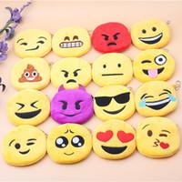 monederos para niños al por mayor-Monedas Emoji Monederos Expresivos Monedas Bolsas Colgante de Felpa Mujeres Niñas Chirstmas Creativos Regalos Niños envío gratis