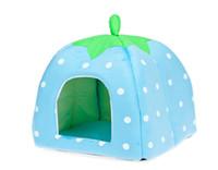 fraises gratuites achat en gros de-Livraison Gratuite 2014 Date Mignon Belle Doux Super Cool Éponge Fraise Pet Chien Chat Maison Lit, 1 pcs / lot