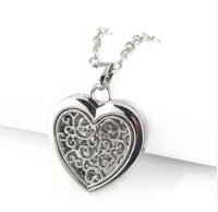 Wholesale floating heart necklaces - New Style Aroma Essential Oil Diffuser Magnet Diffuser Heart Zinc Alloy Floating Lockets Necklaces Pendant Jewelry