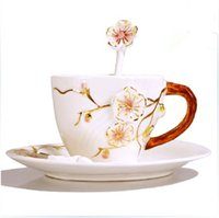 All'ingrosso-180ml Fine Bone China Ceramic coppa europea smalto creativo della tazza di tè Il Plum Blossom franco Pittura Fashion Set