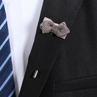 Handmade Unisex Bowknot Bow Tie Lapel Pins Broches Mulheres Men Wedding Banquet Party Boutonniere Stick Brooch Corsage Suit Charm Decor