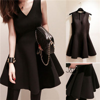 Wholesale Hot Mini Skirt Party - Party Dress New Womens Spring Sexy Heart and Condole Belt Vest Dress Hot Womens Soild Color and Waist Pleated Skirt
