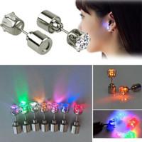 bar ışıkları satılık toptan satış-Sıcak Satış Serin Işık Up LED Işık Kulak Çıtçıt Shinning Küpe kadınlar için Bar Unisex Moda Takı Hediye için bayanlar kız Hediyeler