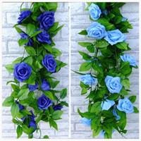 künstliche miniblumen blau großhandel-2016 neue blau und weiß künstliche rose seidenblume green leaf vine garland für home wall weddin party dekorationen 2,4 mt lang