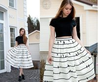 2015 Fashion New Brand Women Skirt Hot Style A-ligne mi-mollet à rayures Casual naturel Belle lâche Les rides verticales FG1511