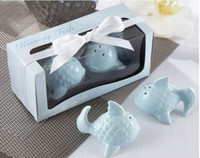 Wholesale Spice Box Set - 2pcs per Set Gift box Wedding Gift of 'Kissing Fish' Ceramic Salt & Pepper Shakers For Ceramic favors In stock