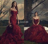 koyu kırmızı tüllük elbisesi toptan satış-Vintage Gotik Gelinlik 2019 Mermaid Sevgiliye Straplez Lace Up Fırfır Tül Seksi Koyu Kırmızı Düğün Gelin Önlükler