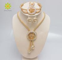 jóias mulheres africanas banhado a ouro venda por atacado-O Envio gratuito de 2015 Mulheres Moda Clássico 18 K Banhado A Ouro Colar Bangle BrincosRing Conjuntos de Jóias Traje Africano Acessórios Do Casamento