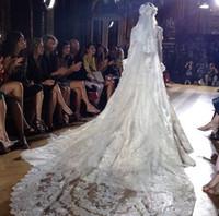 dantel manto tarağı toptan satış-Luxry Zuhair Murad 2 Katlı Uzun 3 M Katedrali Dantel Kenar Gelin Mantilla Düğün Peçe Ücretsiz Tarak