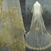 altın perdeler toptan satış-Altın Kenarları Peçe 1 Tier Katedrali Peçe Alencon Dantel Peçe Fildişi Gelin Peçe Özel 3 Metersl Düğün Aksesuarları Hiçbir Tarak Ücretsiz Kargo