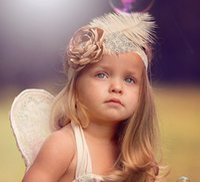 devekuşu tüyü bebeği toptan satış-1 adet Kız büyük Devekuşu saç Şifon Inci çiçek Dantel Bandı bebek Aksesuarları tüyler Injun Rol oynamak Hairband Bebek Fotoğraf Prop YM6107