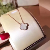 j collar al por mayor-Estilo lujoso S925 Collar de plata de ley y colgante de marca con flor en 45 cm de longitud con flores colver para mujeres regalo de boda j