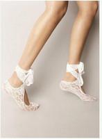 meias de praia venda por atacado-2016 Mais Quente Sapatos de Casamento Sapatos de Meias de Renda Branca Feito À Mão Sapatos Meias de Atividade Sapatos de Praia Beach Wear Fita Lace Up Meias