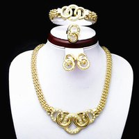 grande colar de bijuterias de ouro venda por atacado-24 K Banhado A Ouro Impressionante Mulheres De Cristal Traje Banquete Decoração Big Gold Jewelry Set Colar, Pulseira, Brincos e Anel Sets524